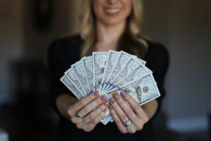 リゾートバイト 観光 お金 稼ぐ 貯まる