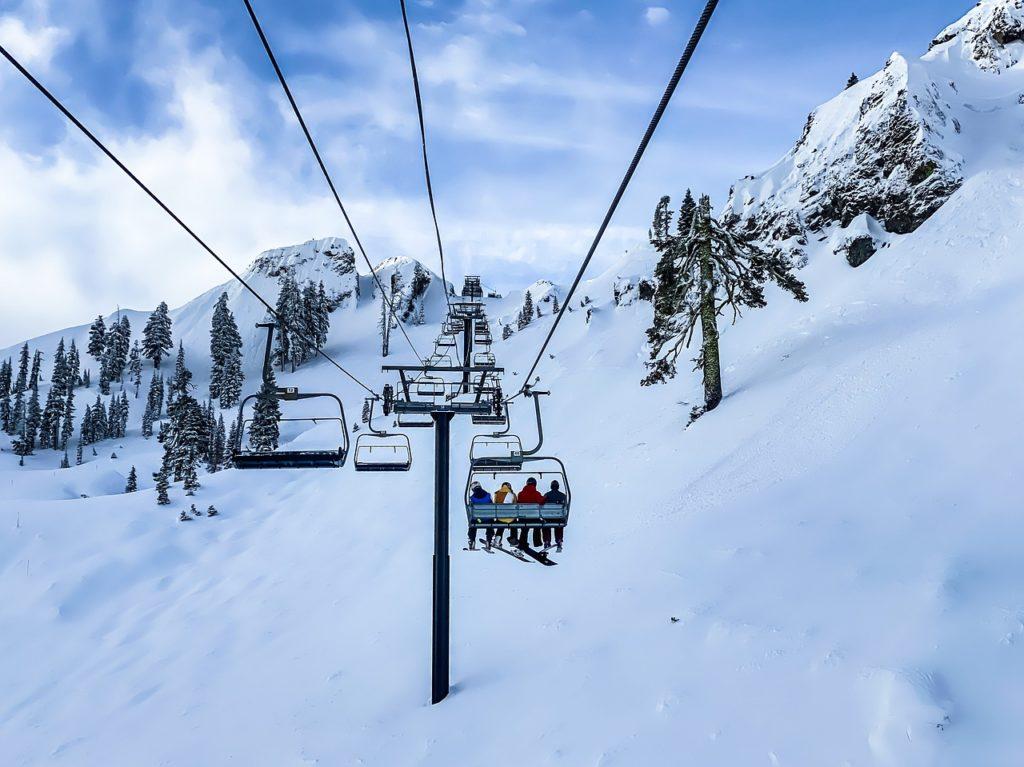 冬 リゾートバイト スキー場 北海道 ニセコヒラフ